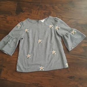 Size M  gingham blouse